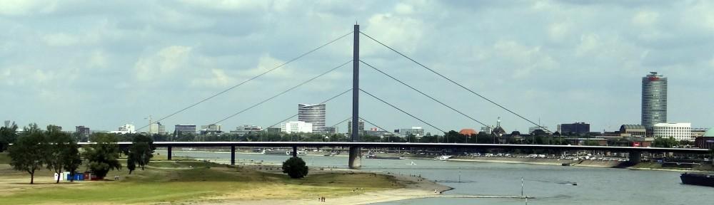 cropped-Panorama-Düsseldorf-DSC04604.jpg